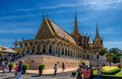 能随意持柬埔寨签证入境吗?