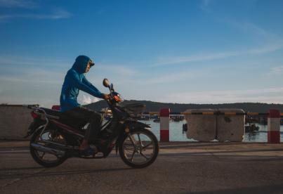 新年假期将至驻柬游客注意预防飞车抢劫